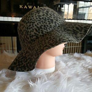 ANIMAL PRINT FLOPPY FELT HAT